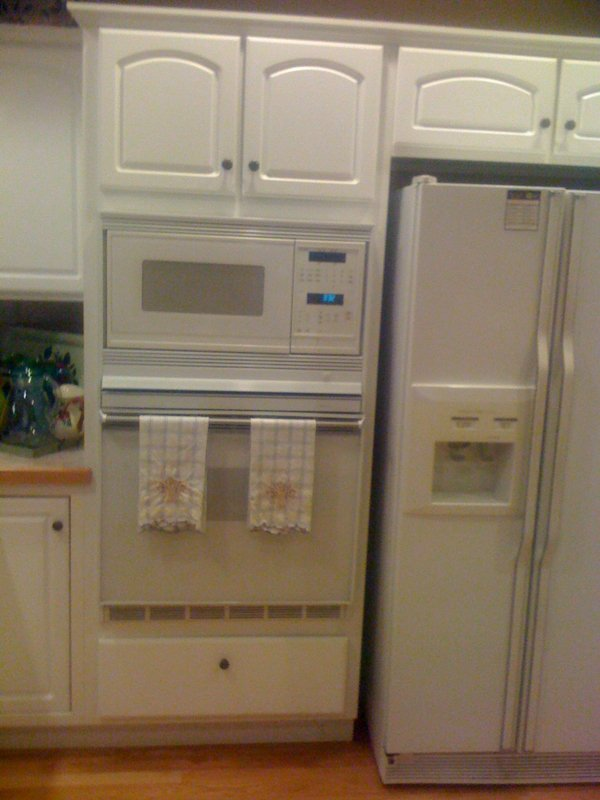 Kitchen Before, Oven